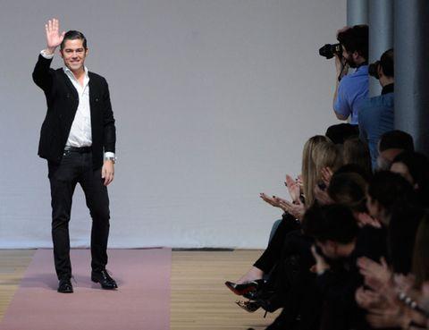 Arm, Trousers, Coat, Shirt, Outerwear, Collar, Suit trousers, Formal wear, Blazer, Fashion,
