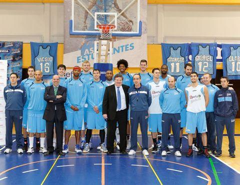 Social group, Basketball hoop, Field house, Sport venue, Sportswear, Basketball court, Team sport, Community, Uniform, Basketball,