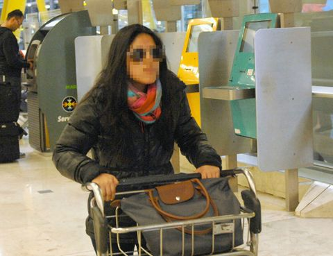 Bag, Service, Luggage and bags, Travel, Baggage, Engineering, Shoulder bag, Job, Employment, Machine,