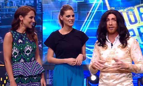 People, Dress, Electric blue, Cobalt blue, Day dress, Television program, One-piece garment, Makeover, Laugh, Television presenter,