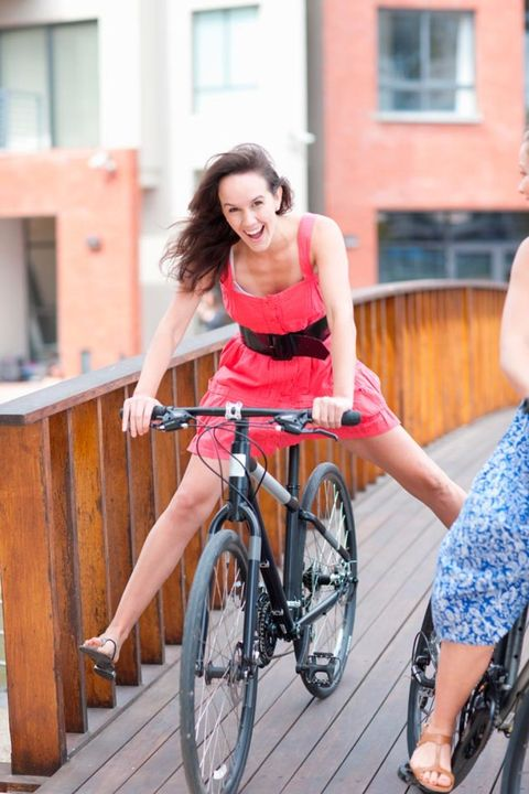 Tire, Bicycle frame, Wheel, Bicycle tire, Bicycle wheel, Bicycle wheel rim, Bicycle fork, Bicycle handlebar, Shoe, Bicycle,