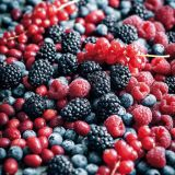 Food, Fruit, Boysenberry, Natural foods, Produce, Berry, Frutti di bosco, Blackberry, Black, Sweetness,