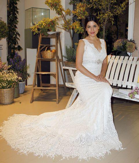 Clothing, Bridal clothing, Dress, Shoulder, Textile, Gown, Wedding dress, Bride, Formal wear, Flowerpot,
