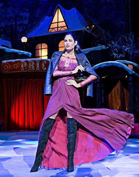 Purple, Costume design, Magenta, Stage, Gown, Violet, Drama, Acting, Costume, heater,