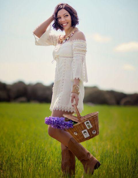 Happy, People in nature, Beauty, Field, Lavender, Grassland, Waist, Street fashion, Trunk, Photo shoot,