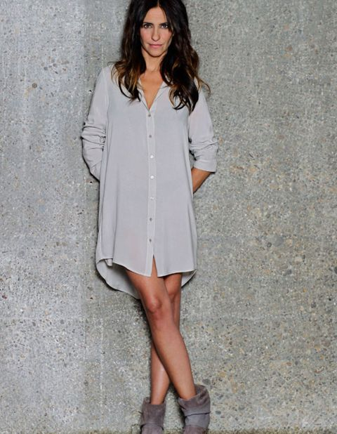 Clothing, Sleeve, Collar, Shoulder, Joint, Outerwear, Style, Street fashion, Knee, Fashion,