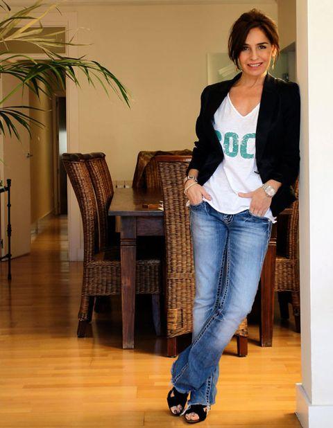 Wood, Floor, Brown, Product, Flooring, Trousers, Denim, Hardwood, Jeans, Shoulder,