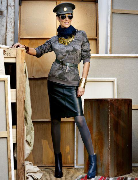 Clothing, Leg, Goggles, Joint, Human leg, Fashion accessory, Hat, Ladder, Knee, Street fashion,