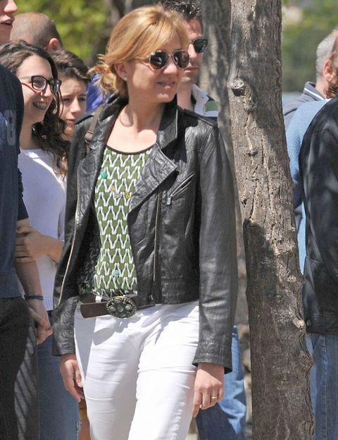 Clothing, Eyewear, Glasses, Vision care, Jacket, Trousers, Textile, Outerwear, Denim, Sunglasses,