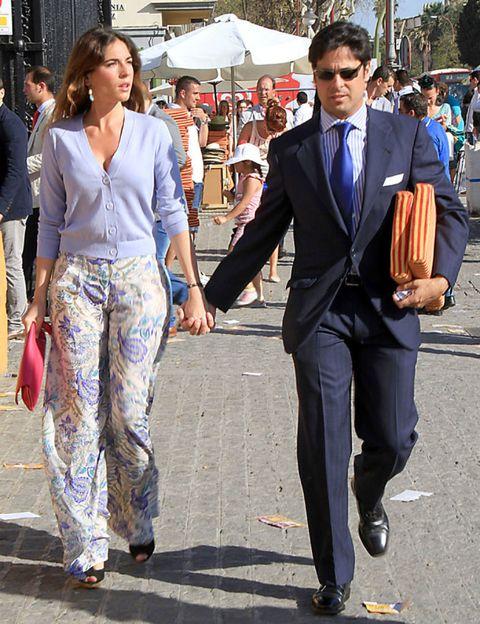 Clothing, Footwear, Eyewear, Trousers, Shirt, Coat, Outerwear, Bag, Dress shirt, Style,