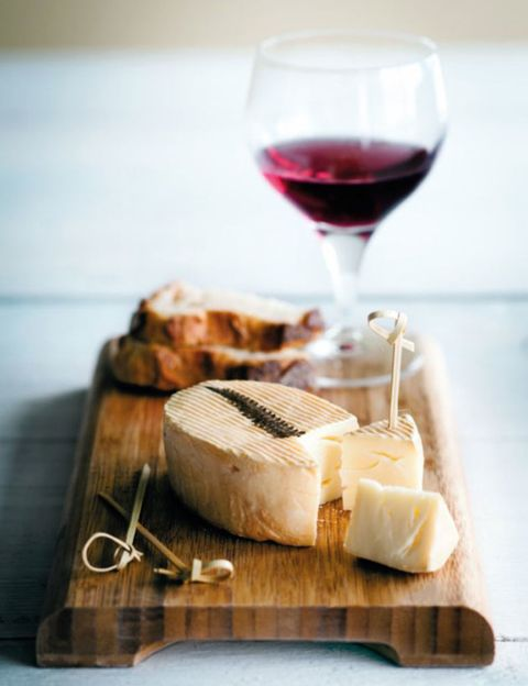 Stemware, Wine glass, Glass, Drink, Drinkware, Barware, Dessert wine, Red wine, Alcoholic beverage, Food,