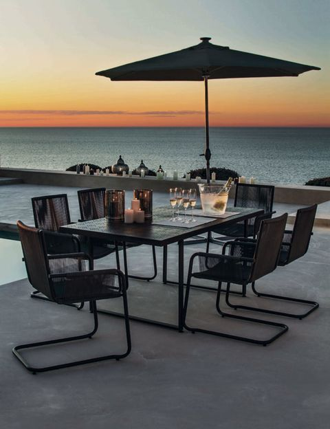 Table, Furniture, Horizon, Restaurant, Outdoor table, Ocean, Umbrella, Sea, Outdoor furniture, Resort,