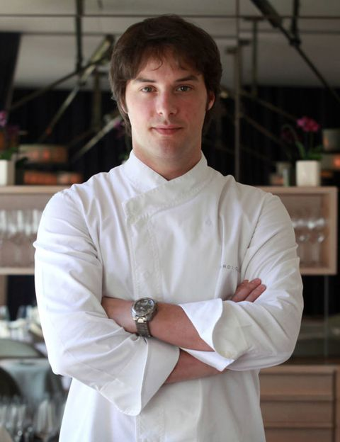 Sleeve, Watch, White, Collar, Chef, Cook, Chest, Cooking, Houseplant, Chef's uniform,