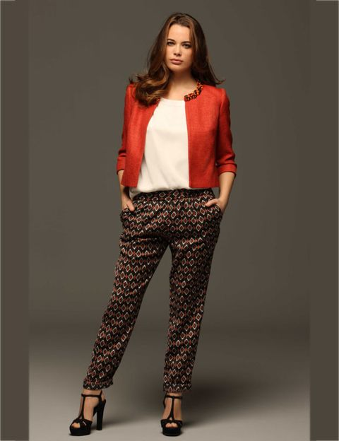 Clothing, Footwear, Brown, Sleeve, Shoulder, Textile, Joint, Outerwear, Style, Waist,