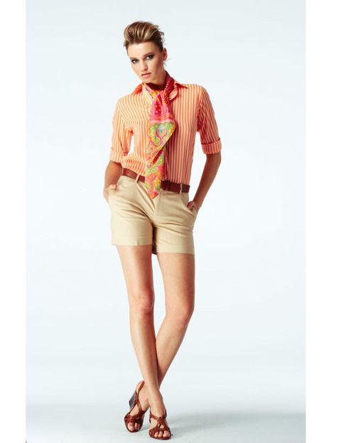 Brown, Collar, Sleeve, Dress shirt, Shoulder, Human leg, Shirt, Textile, Joint, Standing,