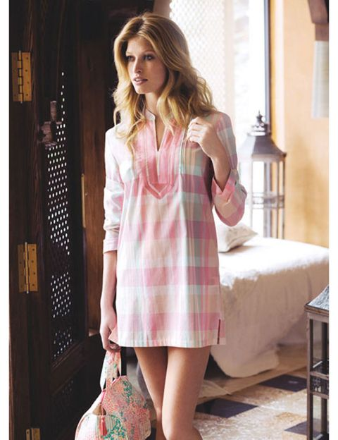 Sleeve, Collar, Shoulder, Textile, Dress, Plaid, Pattern, Tartan, Fashion, One-piece garment,