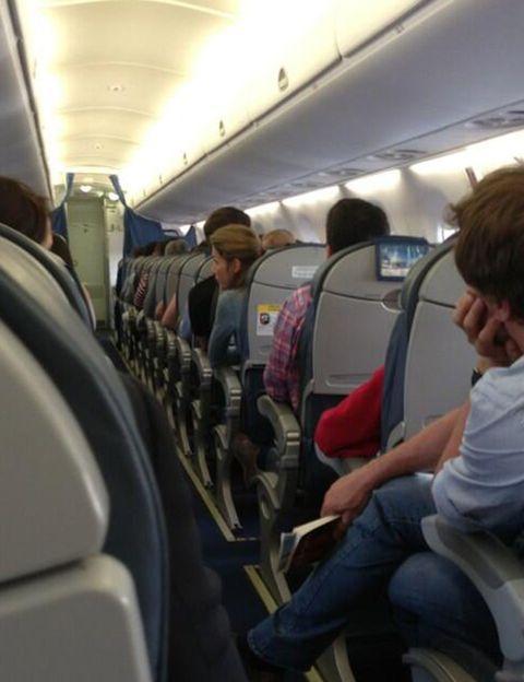 Mode of transport, Transport, Passenger, Comfort, Public transport, Service, Sitting, Air travel, Aircraft cabin, Travel,