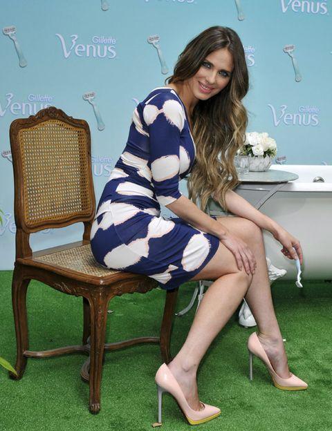 Human body, Human leg, Dress, Joint, Furniture, Sitting, Knee, Beauty, High heels, Foot,