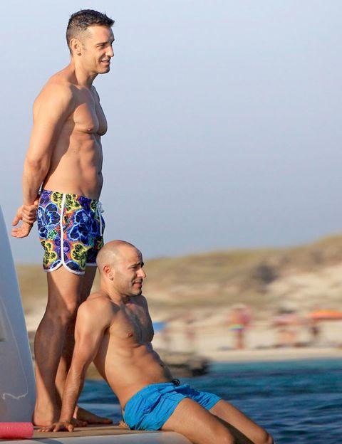 Clothing, Leg, Fun, Human body, Human leg, board short, Barefoot, Barechested, Summer, Chest,