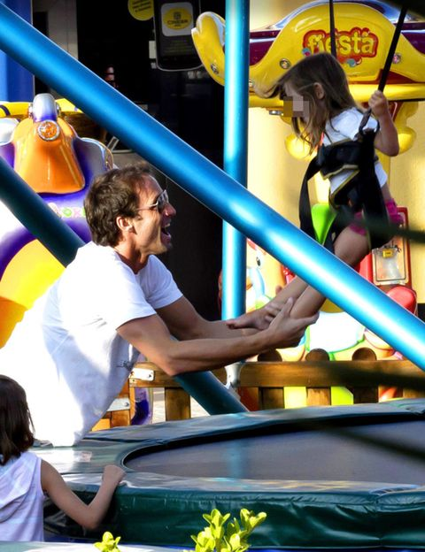 Fun, Yellow, Amusement park, Playground, Amusement ride, Nonbuilding structure, Chute, Pipe, Outdoor play equipment, Fair,