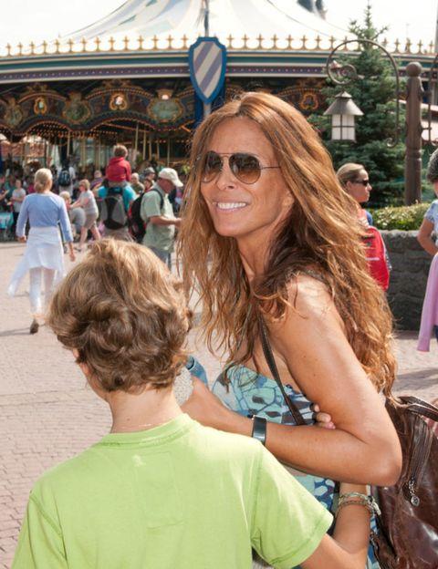 Eyewear, Hair, Vision care, Tourism, Sunglasses, Drum, T-shirt, Summer, Vacation, Travel,