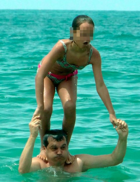 Fun, Water, Leisure, Mammal, Summer, Brassiere, Aqua, People in nature, Muscle, Vacation,