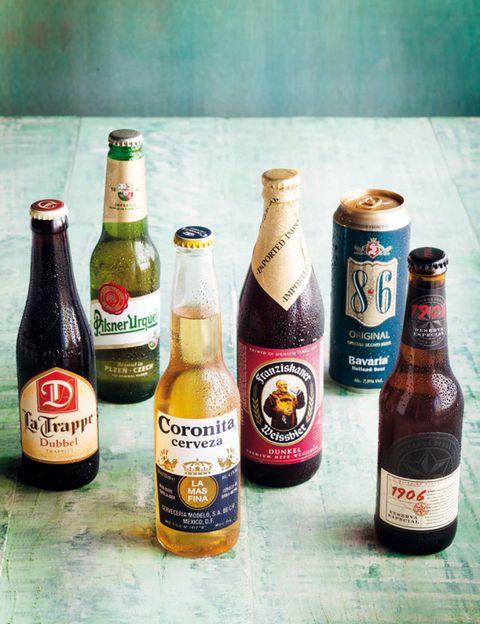 Glass bottle, Drinkware, Product, Bottle, Alcohol, Wood, Beer bottle, Alcoholic beverage, Drink, Liquid,