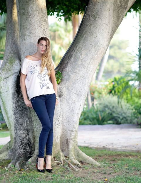 Clothing, Green, Human body, Denim, Textile, Joint, Outerwear, People in nature, Waist, Street fashion,
