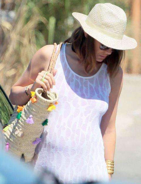 Hat, Summer, Fashion accessory, Sun hat, Sleeveless shirt, Street fashion, Sunglasses, Fedora, Necklace, Active tank,