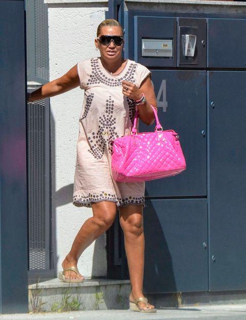 Clothing, Eyewear, Leg, Vision care, Bag, Sunglasses, Fashion accessory, Street fashion, Magenta, Fashion,