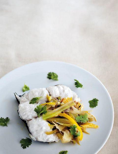 Food, Cuisine, Ingredient, Dishware, Recipe, Dish, Leaf vegetable, Garnish, Plate, Culinary art,