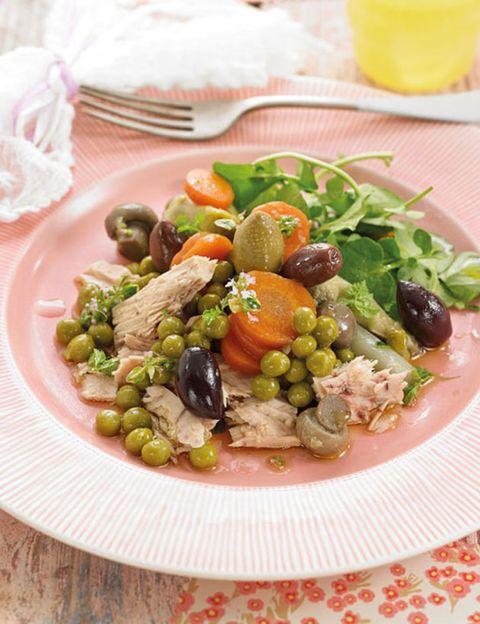 Serveware, Food, Dishware, Tableware, Plate, Juice, Food group, Bowl, Meal, Produce,