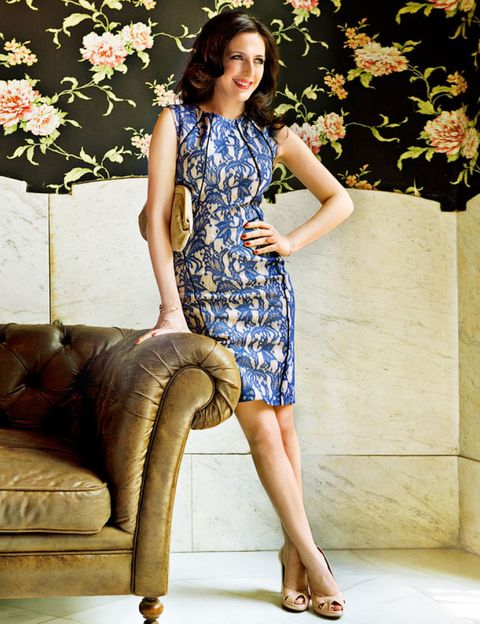 Clothing, Human leg, Dress, Shoulder, Joint, Couch, One-piece garment, Knee, Thigh, Day dress,