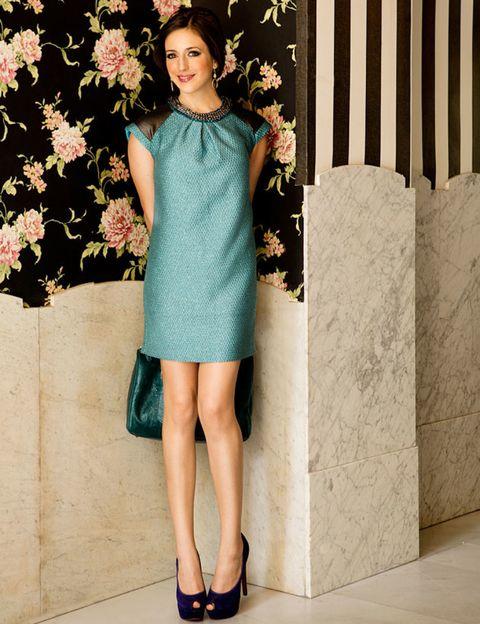 Clothing, Sleeve, Shoulder, Human leg, Dress, Textile, Joint, Shoe, One-piece garment, Style,