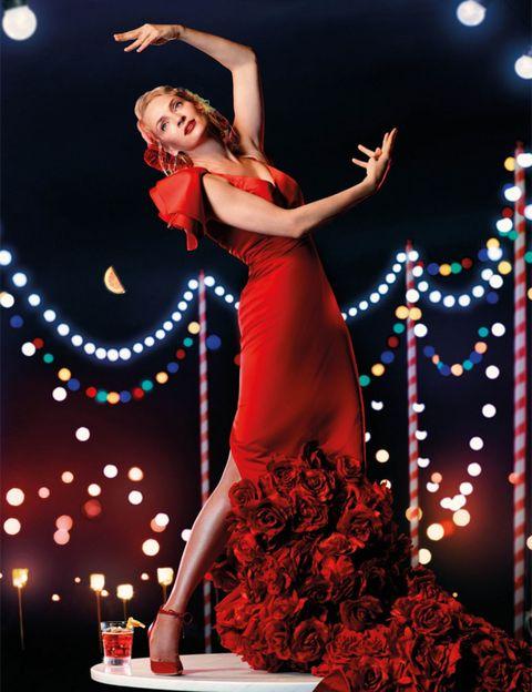 Entertainment, Dress, Performing arts, Performance, High heels, One-piece garment, Performance art, Dancer, Day dress, Model,