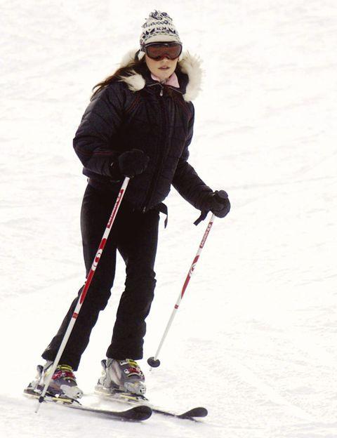 Eyewear, Sports equipment, Goggles, Winter sport, Recreation, Ski Equipment, Standing, Skier, Outerwear, Outdoor recreation,