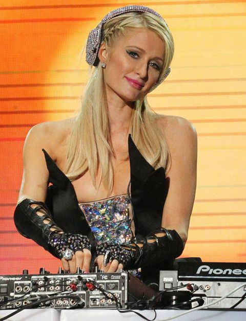 Entertainment, Electronics, Deejay, Fashion accessory, Hair accessory, Disc jockey, Headgear, Headpiece, Cdj, Blond,