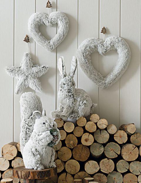 Hare, Rabbits and Hares, Art, Sculpture, Rabbit, Heart, Natural material, wood rabbit, Circle, Creative arts,