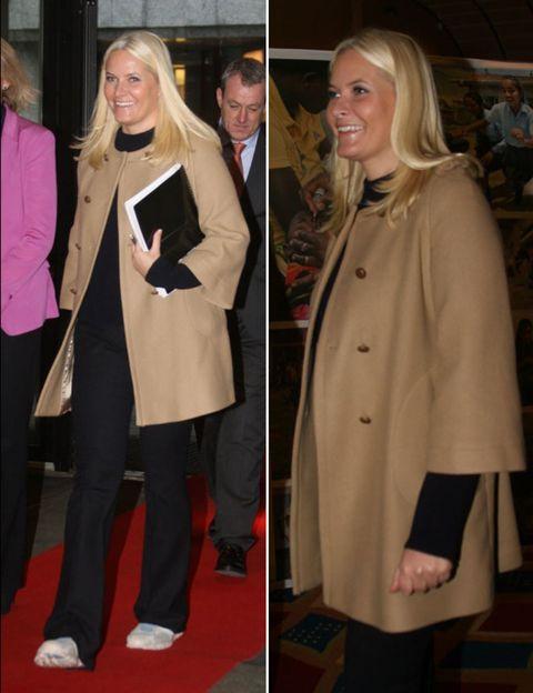 Coat, Sleeve, Trousers, Collar, Outerwear, Style, Formal wear, Suit trousers, Blazer, Fashion,
