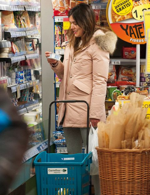 Retail, Shelf, Basket, Street fashion, Service, Shopping, Plastic bag, Shelving, Wicker, Customer,