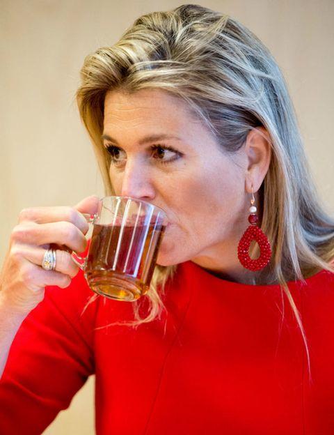 Beer, Earrings, Drinkware, Drink, Alcohol, Beer glass, Alcoholic beverage, Barware, Tableware, Serveware,