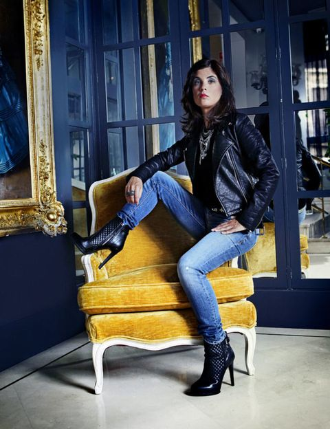 Jacket, Denim, Jeans, Textile, Outerwear, Knee, Street fashion, Leather, Leather jacket, Cobalt blue,