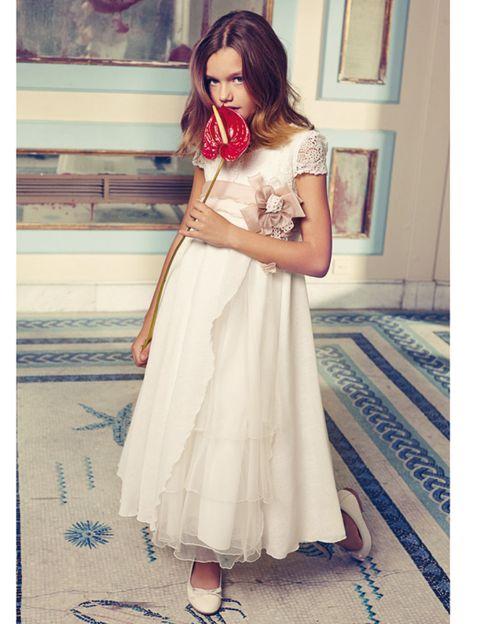 Clothing, Dress, Shoulder, Textile, Floor, Formal wear, Gown, Bridal clothing, One-piece garment, Lipstick,