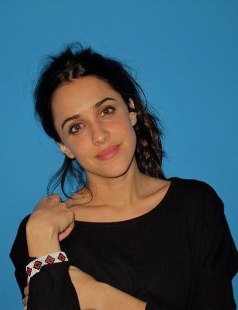 Clothing, Lip, Hairstyle, Chin, Shoulder, Eyebrow, Joint, Black hair, Wrist, Jewellery,