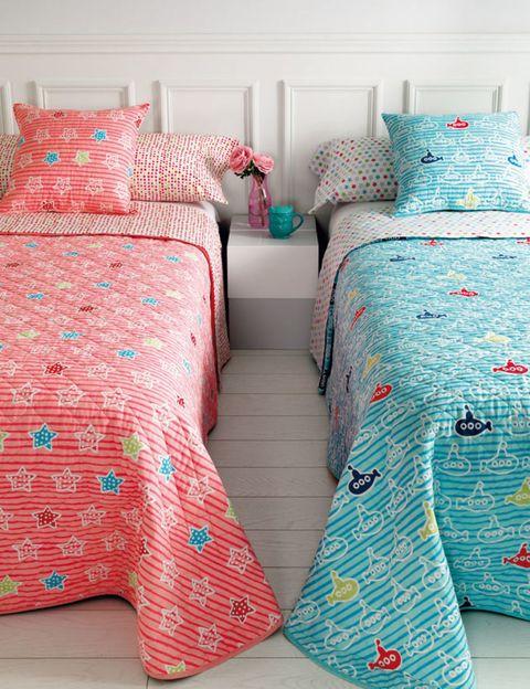 Blue, Room, Bed, Green, Interior design, Textile, Bedding, Bedroom, Teal, Red,