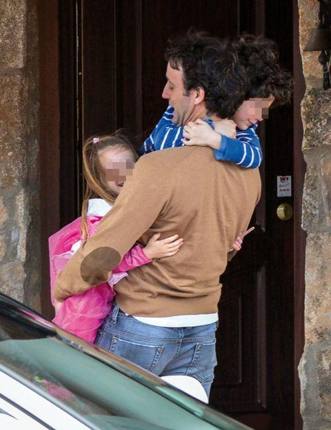 Denim, Interaction, Gesture, Automotive window part, Blond, Door, Love, Back, Hug,