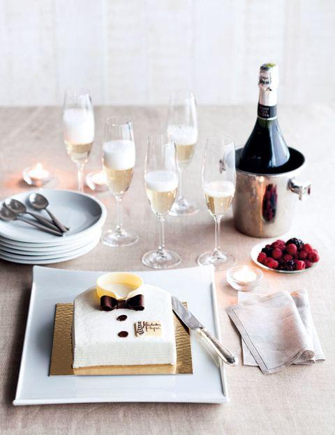 Serveware, Stemware, Drinkware, Glass, Dishware, Drink, Wine glass, Barware, Tableware, Food,