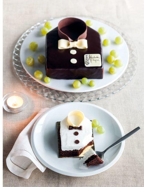 Food, Cuisine, Dishware, Sweetness, Serveware, Dessert, Ingredient, Finger food, Plate, Dish,