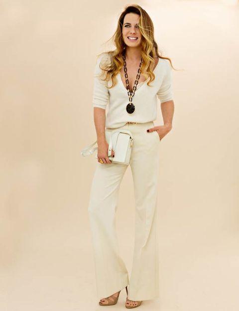 Sleeve, Shoulder, Joint, Jewellery, Style, Waist, Fashion model, Necklace, Beige, Photo shoot,