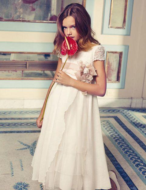 Clothing, Dress, Shoulder, Textile, Formal wear, Floor, Gown, Flooring, Wedding dress, Bridal clothing,